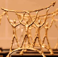 image gros plan trophée d'or 2013 du marketing et de la communication des metiers de la comptabilité