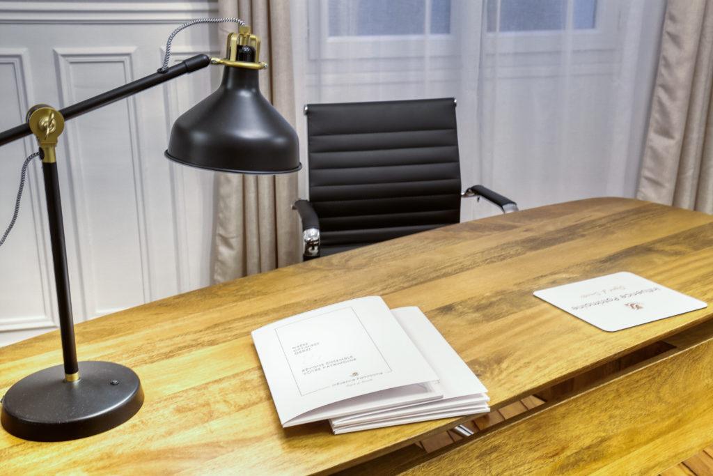 Création chemises portes-documents pour professions libérales - By Com' Empreintes